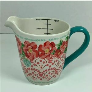 Pioneer Women measuring cup
